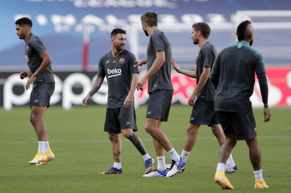 FC Barcelona are trying to force a number of player exits this week.