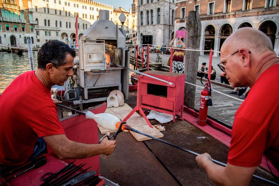 ITALY-TOURISM-LEISURE-VENICE-MURANO-GLASS