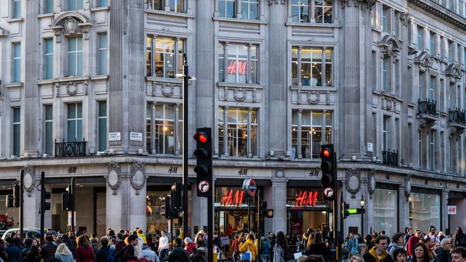 H&M on Oxford Street junctions with Regent Street