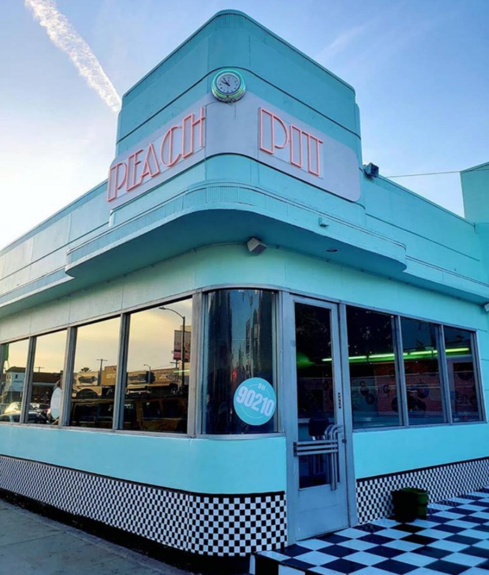 Peach Pit 90210 exterior