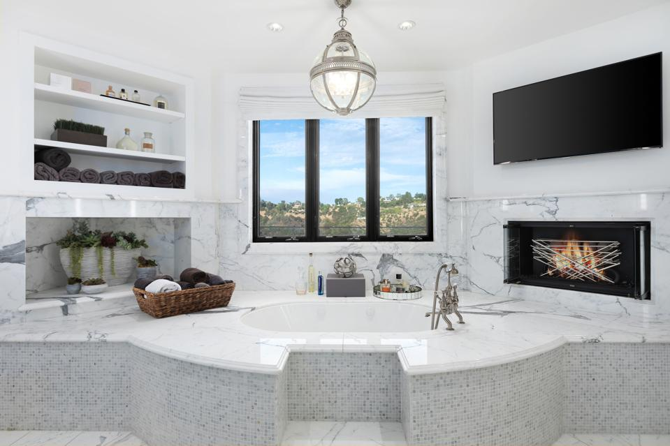 Bel-Air, Kathy Griffin, comedian, contemporary Mediterranean, design, master bathroom suite
