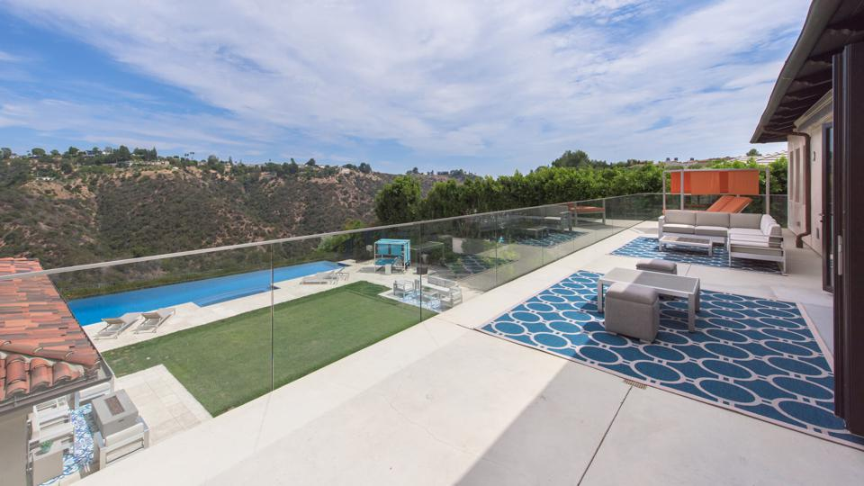 Bel-Air, Kathy Griffin, comedian, contemporary Mediterranean, design, balcony. views, pool