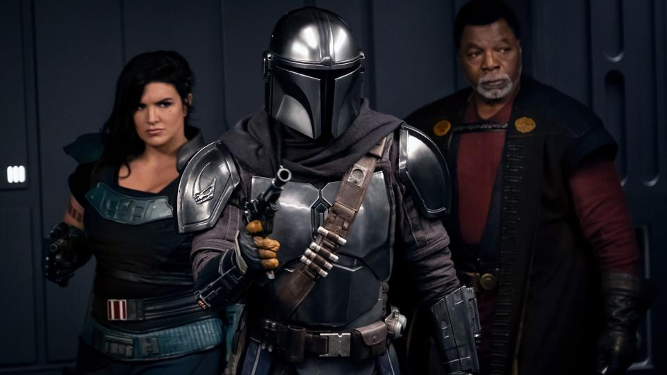 Gina Carino, Pedro Pascal and Carl Weathers in 'The Mandalorian'