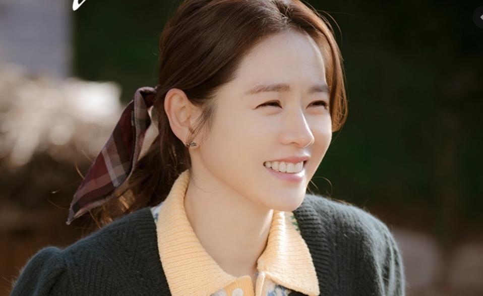 Son Ye-jin won an award for her performance in 'Crash Landing On You.'