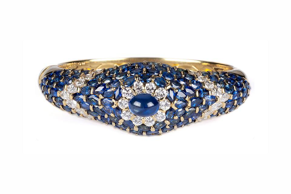 Moussaieff from Tiina Smith bracelet in 18K yellow gold with 8.07 carats blue sapphire and 3.85 carats diamond, price on request, tiinasmithjewelry.com