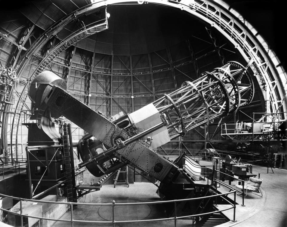 1960s SIDE VIEW OF 100-INCH HOOKER TELESCOPE IN OBSERVATORY