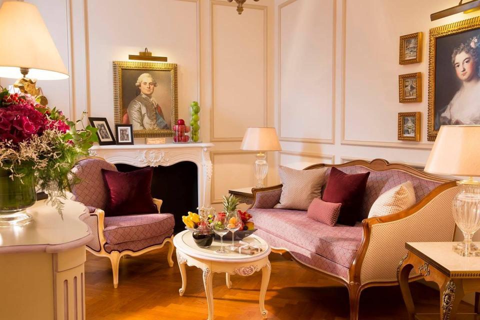 Auberge du Jeu de Paume suite at the hotel