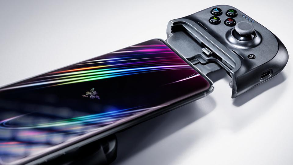 Stretching Razer Kishi to connect to iPhone