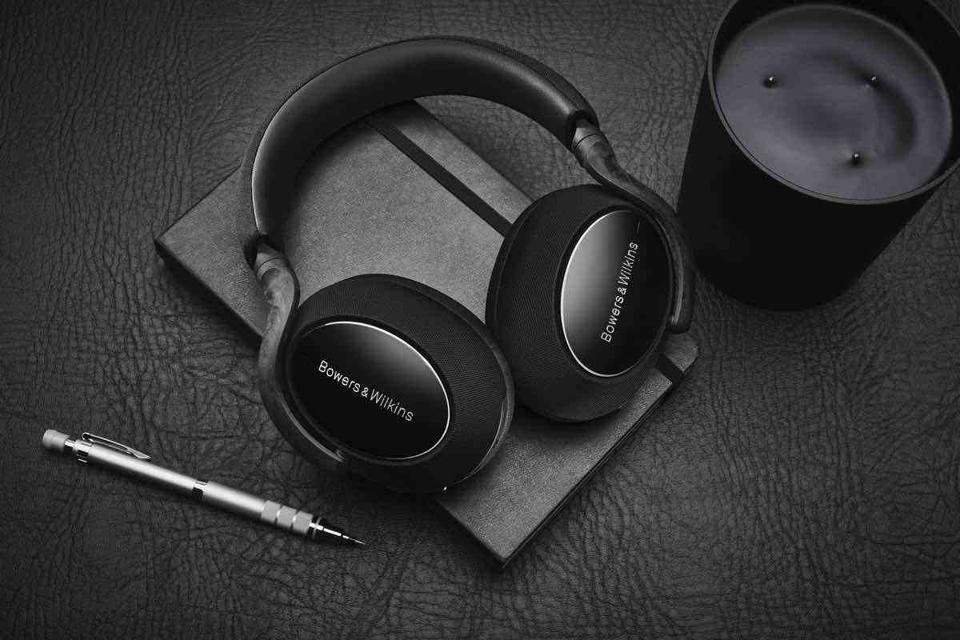Bowers & Wilkins PX 7 Carbon Edition lying on a notebook