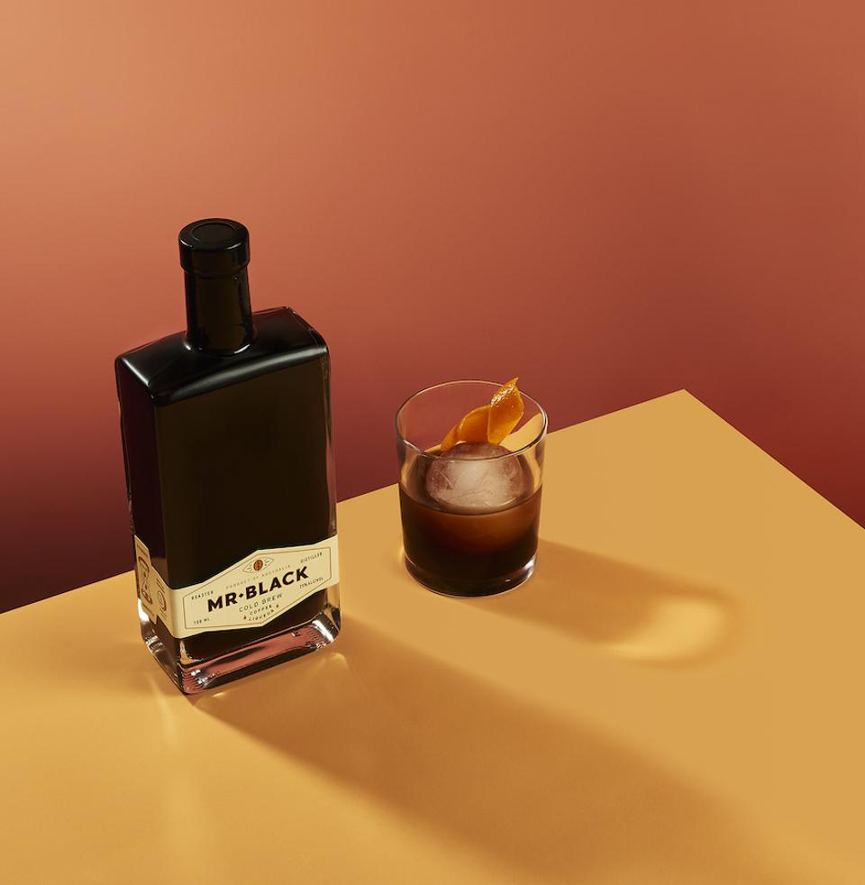 Mr Black Cocktail Cold Fashioned_Best Whiskey Cocktails