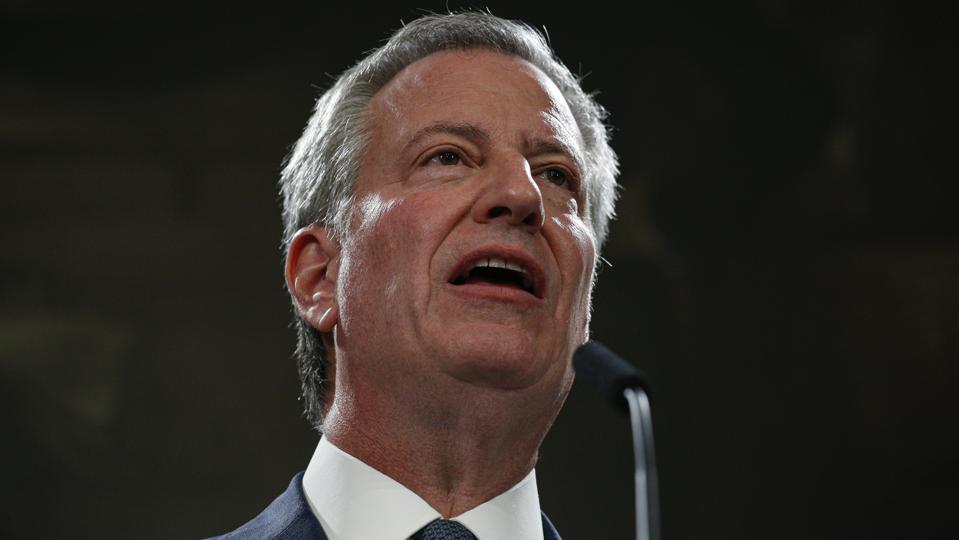 New York City Mayor Bill De Blasio Accepts Resignation Of NYPD Commissioner O'Neill, And Names Predecessor