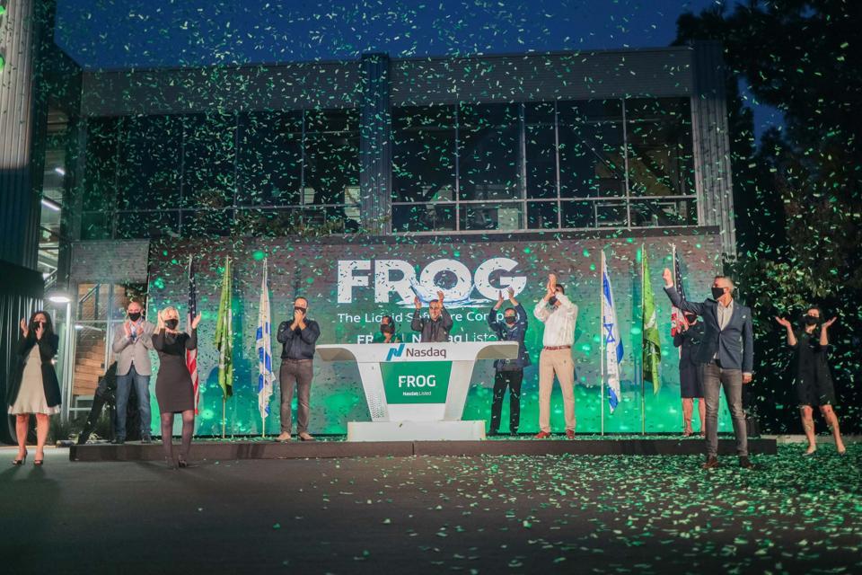 JFrog opens NASDAQ.