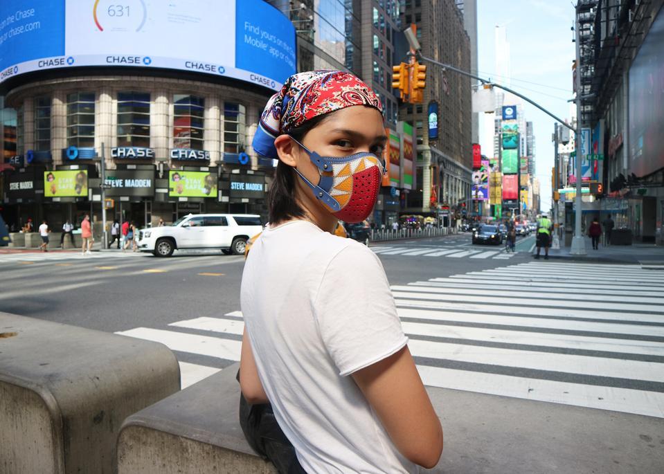 The Vinta Mask from FINO LEATHERWARE's La Macherina series