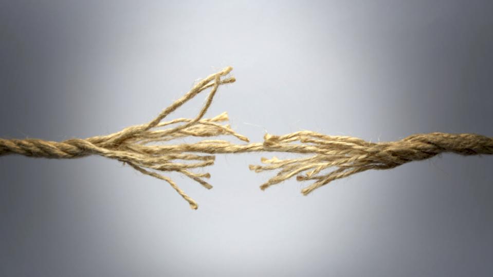 rope breaking, due to increasing stress