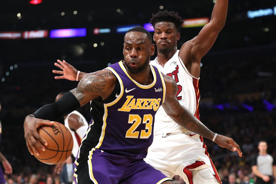 Lakers Nba Championship Odds Improve As Heat Take 2 0 Series Lead Over Celtics