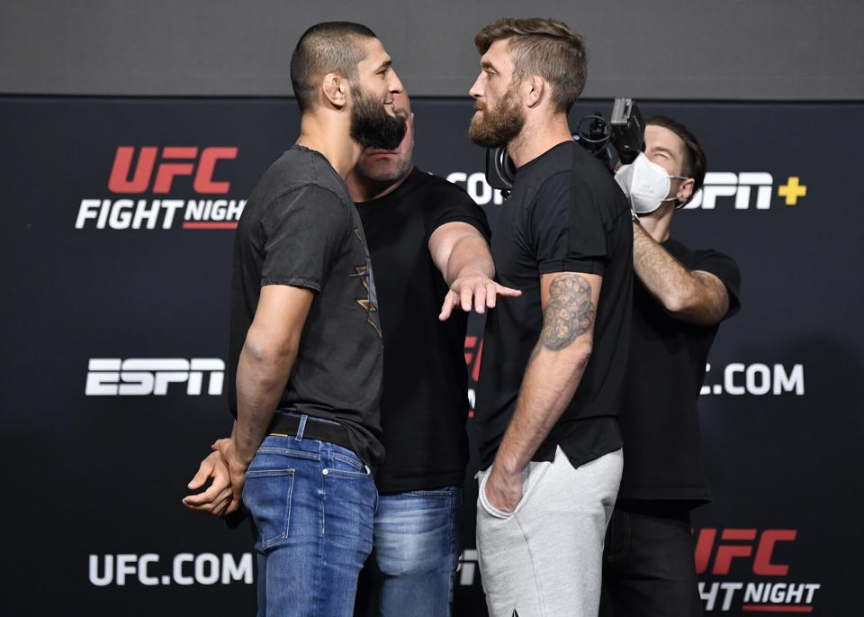 Khamzat Chimaev and Gerald Meerschaert meet on the main card of tonight's UFC on ESPN+ 36 fight card from UFC Apex in Las Vegas. The event streams on ESPN+.