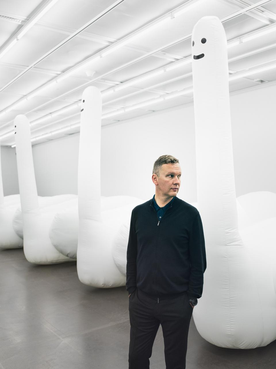 A David Shrigley exhibition of giant inflatable Swan-things at Spritmuseum in Stockholm