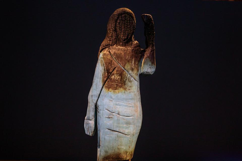 Melania Trump Statue Reinvented