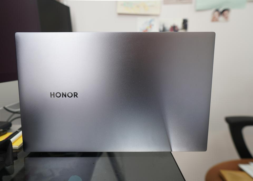 The Honor MagicBook Pro has a aluminum chassis.