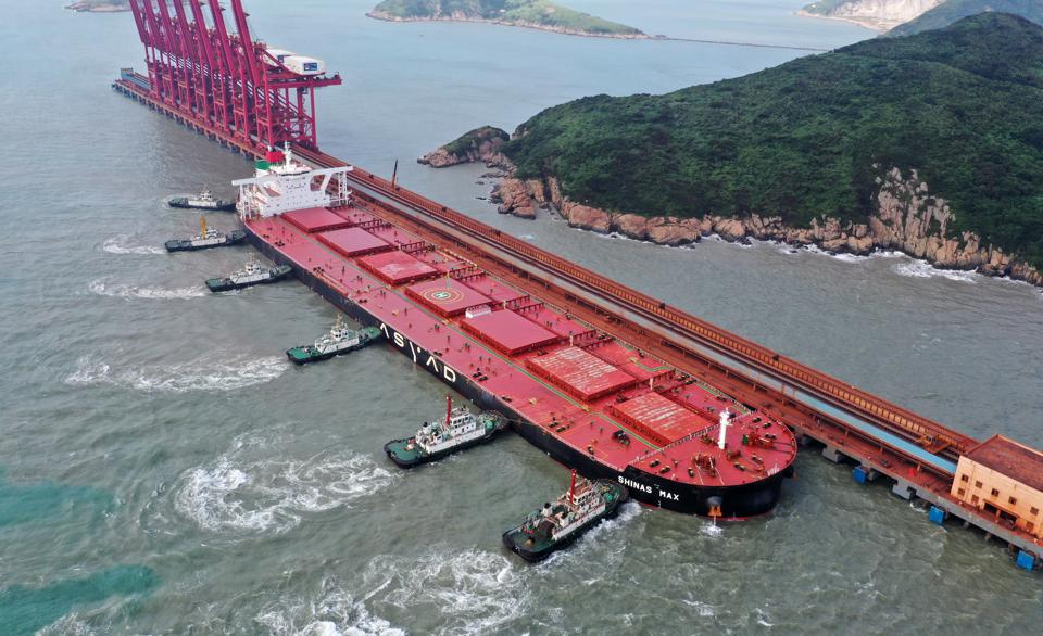 Freighter Carrying 400,000 Tons Of Iron Ore Arrives In Zhoushan