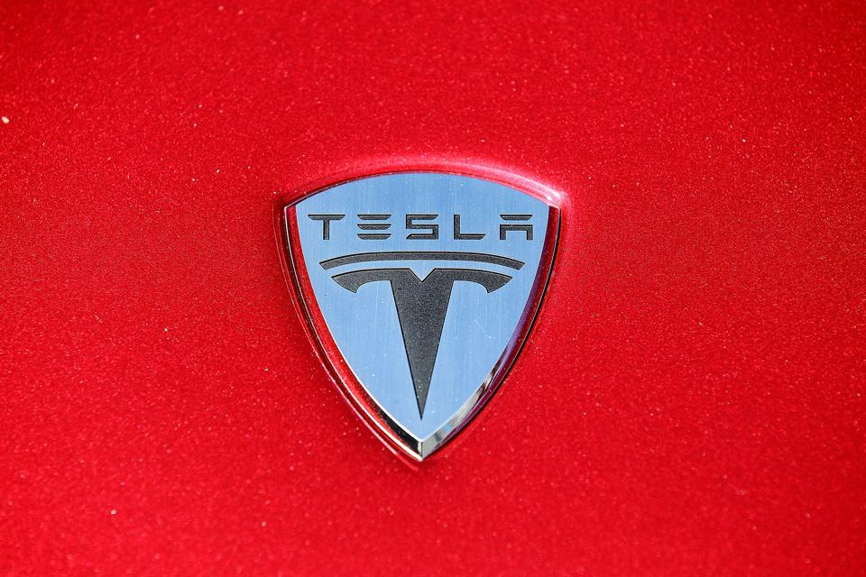 Gov. Arnold Schwarzenegger And Tesla Motors Make Announcement