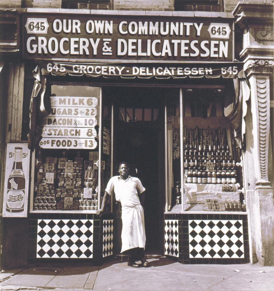 Photo of a neighborhood grocery in 1940.