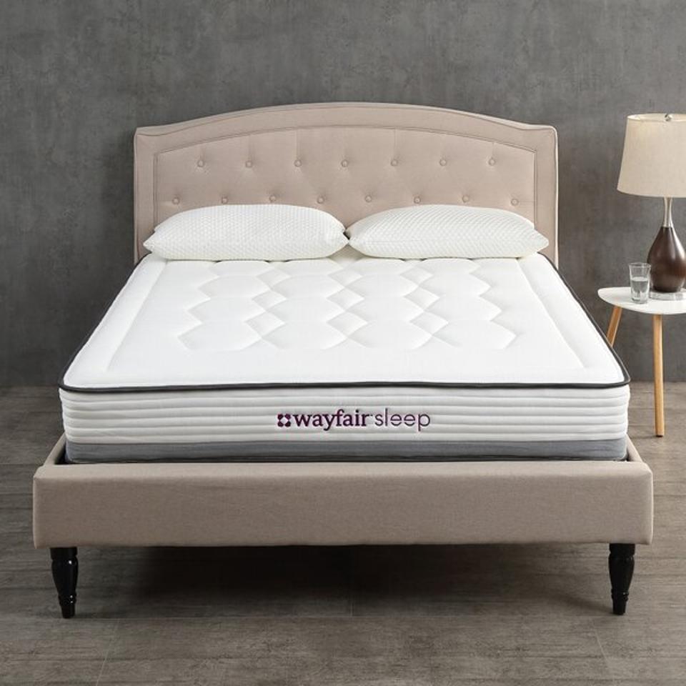 Wayfair Sleep 14″ Plush Hybrid Mattress