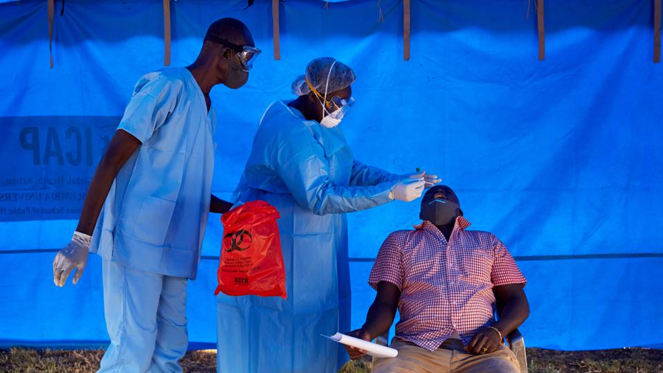 Health workers in South Sudan test for Covid-19.