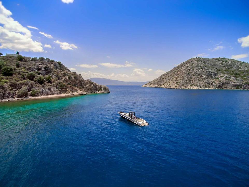 luxury boat charter in porto heli