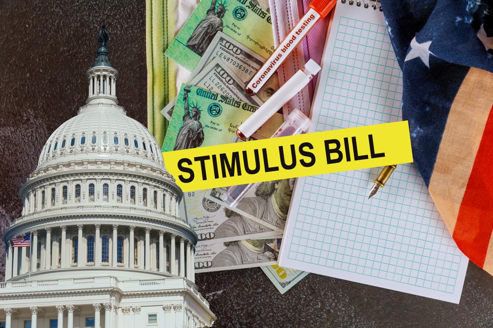 Americans receive emergency payments stimulus checks US 100 dollar bills currency Global pandemic Covid 19 lockdown