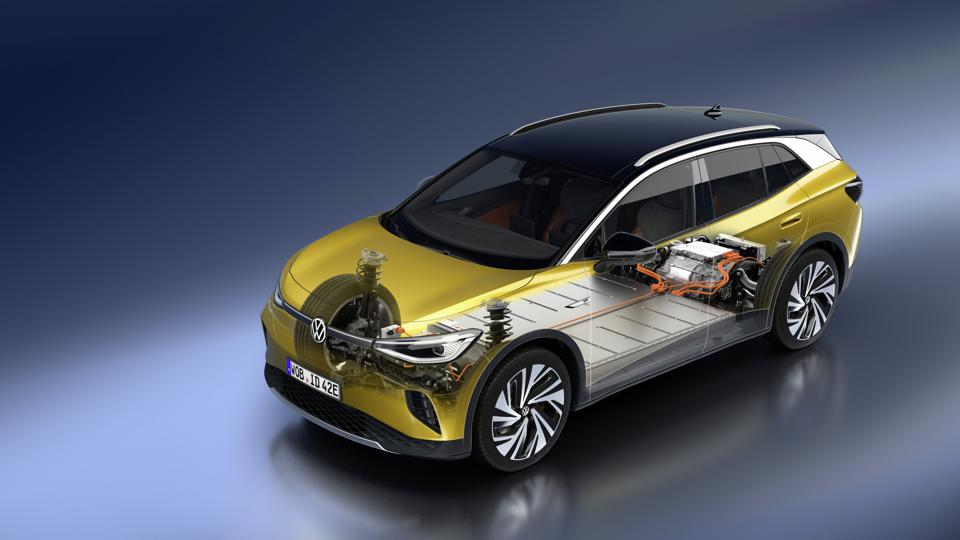 A 77kWh lithium-ion battery pack sits in the floor, while the motor is on the rear axle.