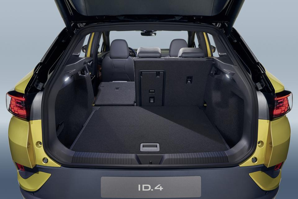 The luggage area can be boosted to 1575 liters