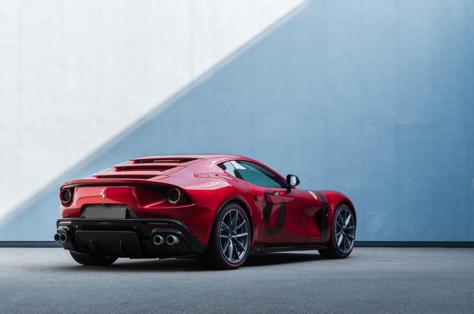 Vista trasera de tres cuartos del único Ferrari Omologata