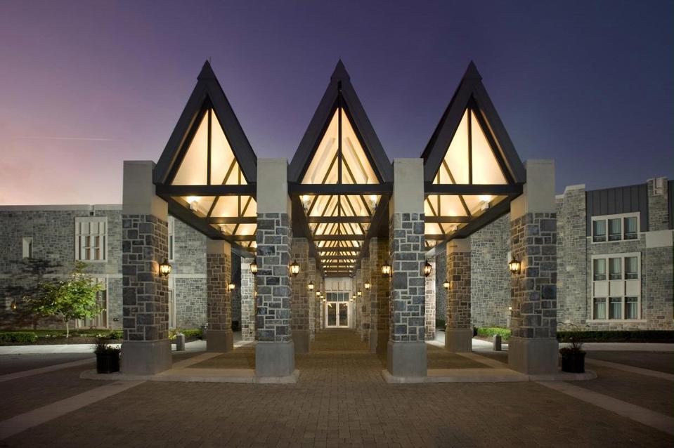 The magnificent entryway to The Inn at Virginia Tech