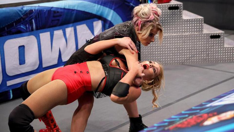 Alexa Bliss continued her descent into madness on SmackDown.