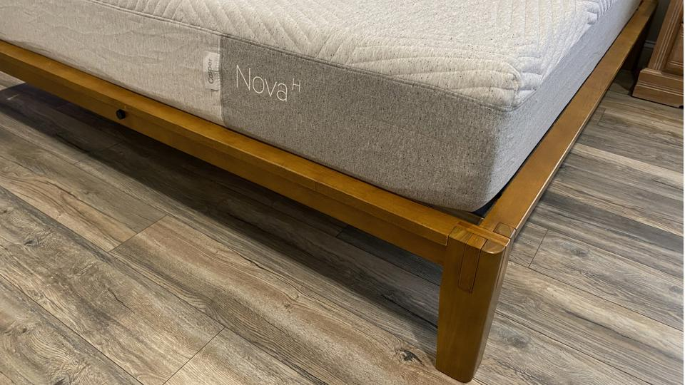 Yes, I know, wrong mattress. But look at that joinery!