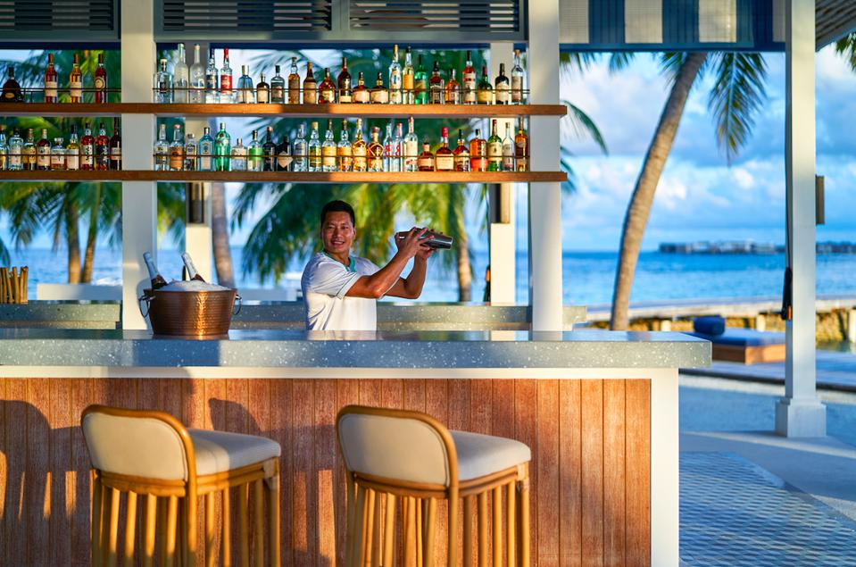 The Long Bar at Raffles Maldives Meradhoo