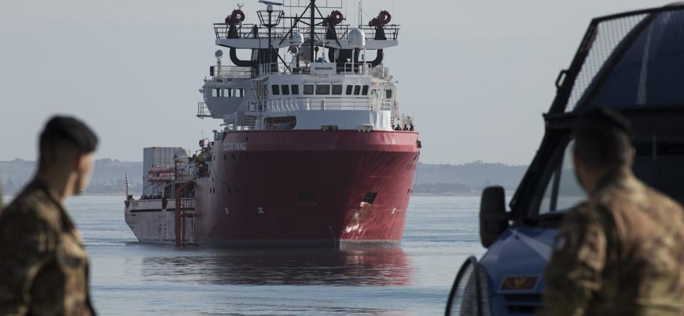 Rescue ship Ocean Viking arriving at Pozzallo harbour. The...