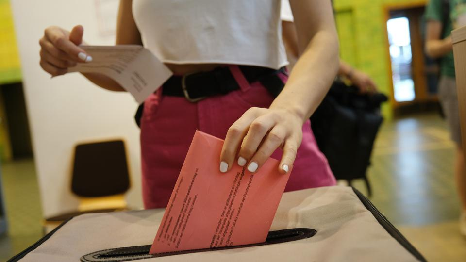 Early Voting Underway In European Elections
