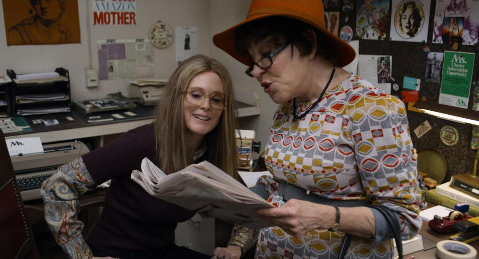 A scene from The Glorias with Julianne Moore and Bette Midler