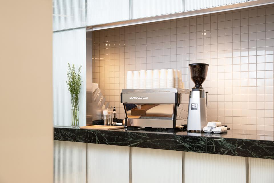 In collaboration with world-class barista Hiroshi Sawada, Hypebeans is a culinary space to empower community and creativity.