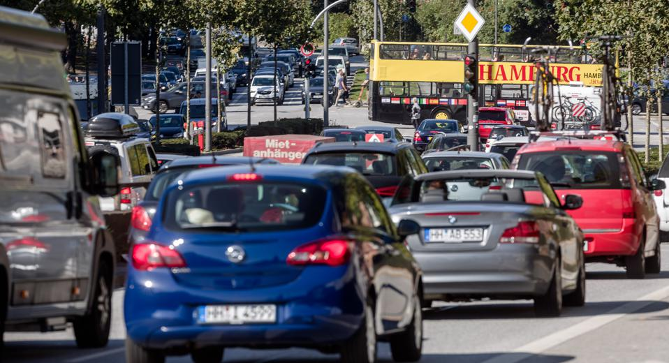 Traffic chaos due to closure of Elbe tunnel