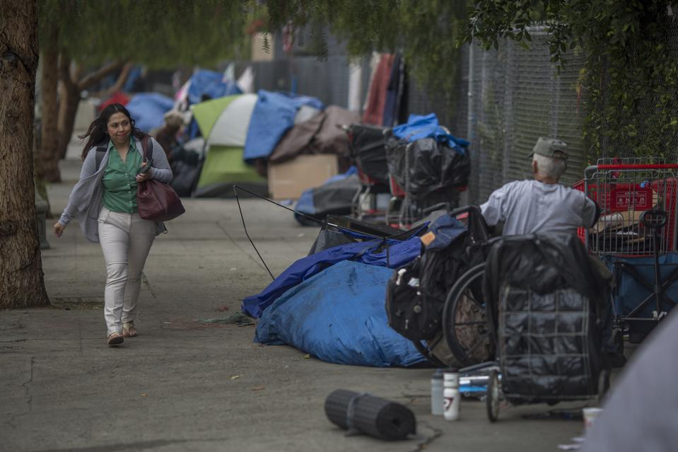 Homelessness In Los Angeles Jumps 20 Percent From 2016 Numbers