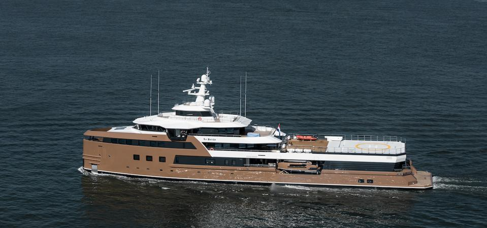 Notice the massive help-pad on Oleg Tinkov's new 252-foot-long expedition yacht La Datcha