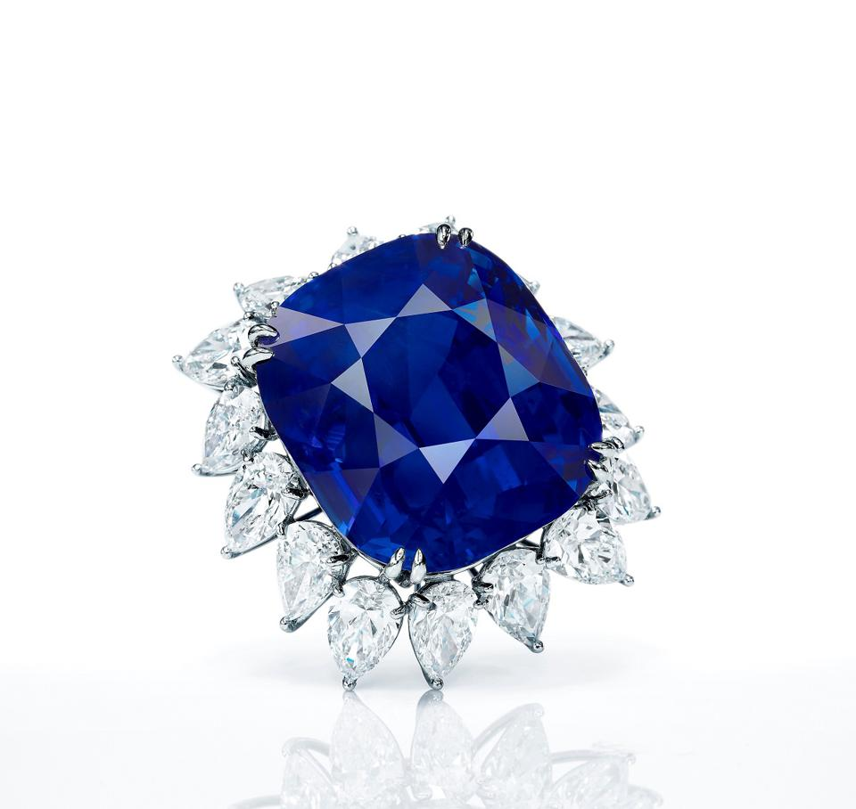 118.88-Carat 'royal blue' sapphire was withdrawn from  Sotheby's Hong Kong Auction