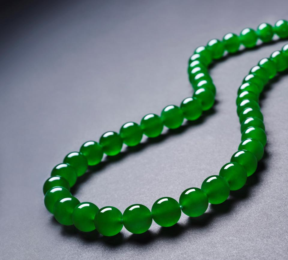 """""""Imperial green"""" jadeite bead necklace fetched $8.1 million at Sotheby's Hong Kong sale"""