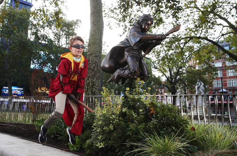Harry Potter Quidditch Statue Leicester Square London