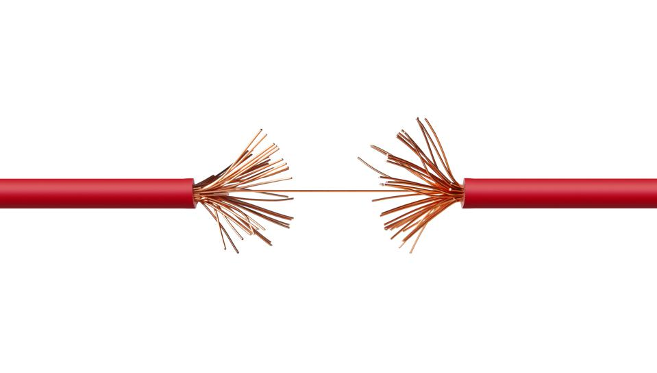 Electrical power cable frayed in tension - risk of breaking