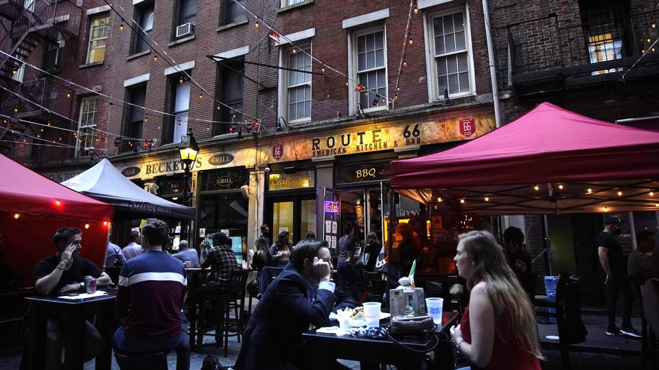 People eating outside in New York