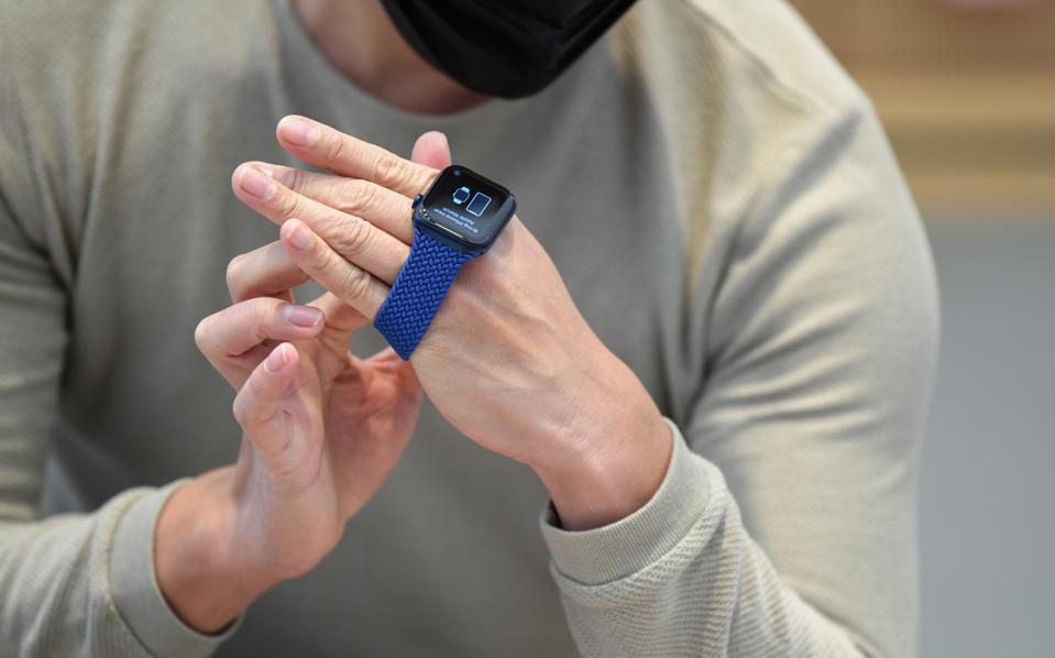 New Apple Products Unveiled To Customers In Sydney Stores